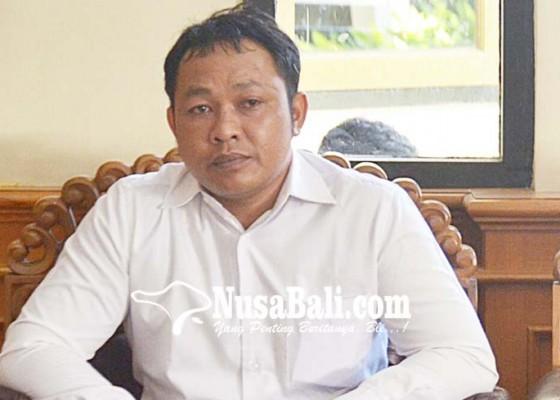 Nusabali.com - perbekel-pelaga-penganiaya-dokter-dituntut-2-bulan