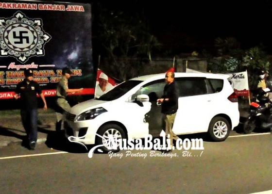 Nusabali.com - mobil-parkir-inap-di-jalan-ditindak
