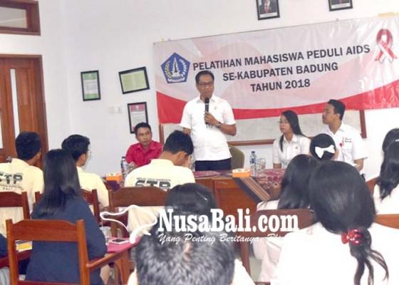 Nusabali.com - wabup-suiasa-buka-pelatihan-mahasiswa-peduli-aids