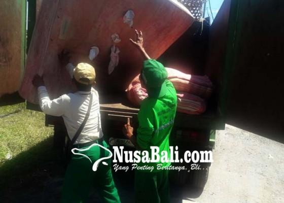 Nusabali.com - warga-nikmati-program-pesan-gadis