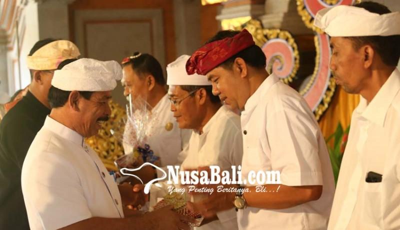www.nusabali.com-disorot-hibah-bansos-lebih-ke-fisik