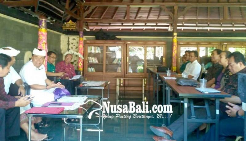 www.nusabali.com-dokter-spesialis-datangi-bupati-bangli