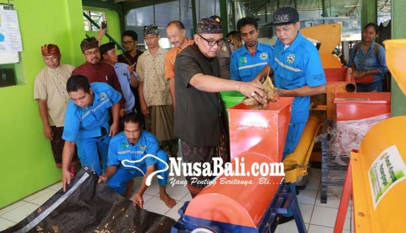 www.nusabali.com-padangtegal-terima-mesin-pengolah-sampah