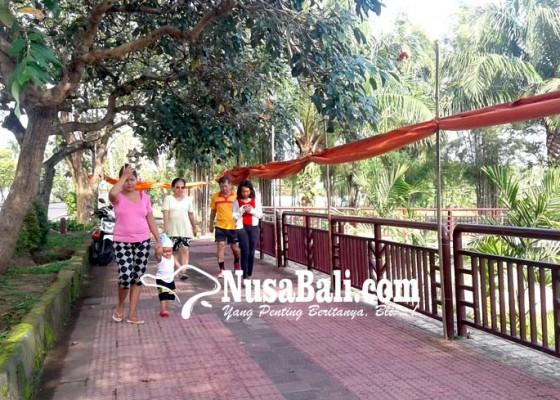 Nusabali.com - warga-keluhkan-drag-bike-tutup-jalan