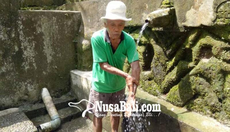 www.nusabali.com-diempon-2-kk-airnya-dipercaya-sembuhkan-penyakit-kulit