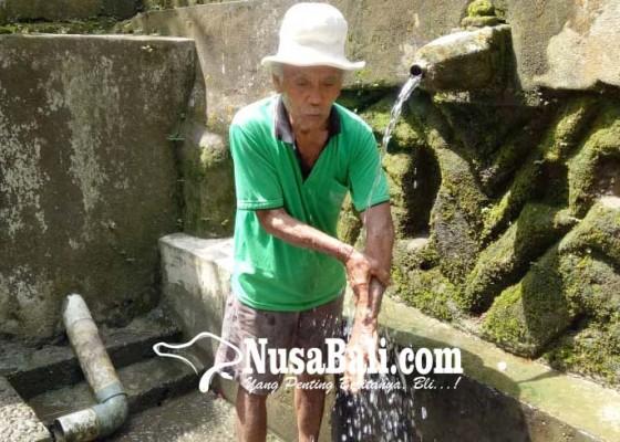Nusabali.com - diempon-2-kk-airnya-dipercaya-sembuhkan-penyakit-kulit