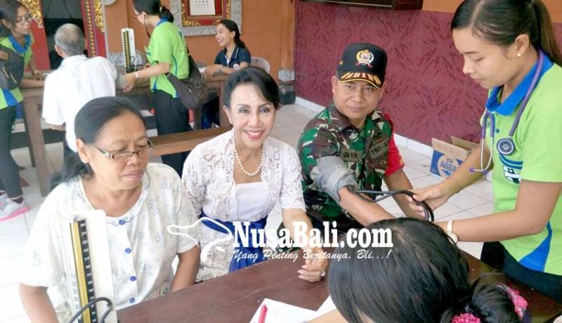 www.nusabali.com-jelang-hari-kartini-tutik-gelar-safari-kesehatan