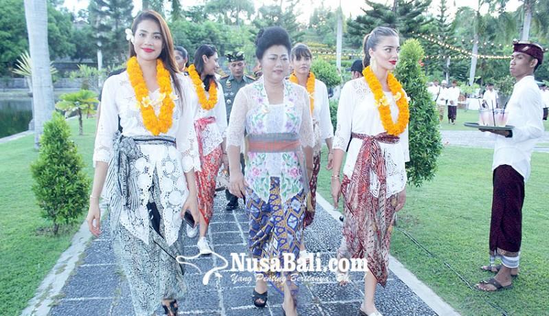 www.nusabali.com-14-kontestan-miss-universe-berkunjung-ke-karangasem