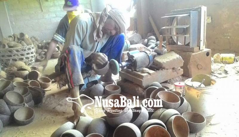 www.nusabali.com-ekspor-kerajinan-batok-kelapa-lesu