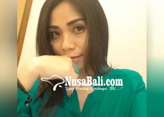 Nusabali.com - wanita-pemalsu-ktp-diciduk-polisi