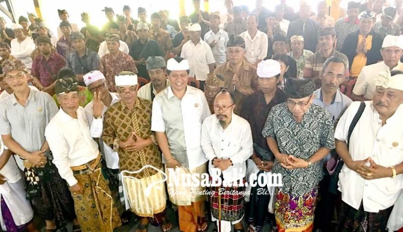 www.nusabali.com-sudikerta-terima-semeton-mantra-kerta-di-rumah-aspirasi
