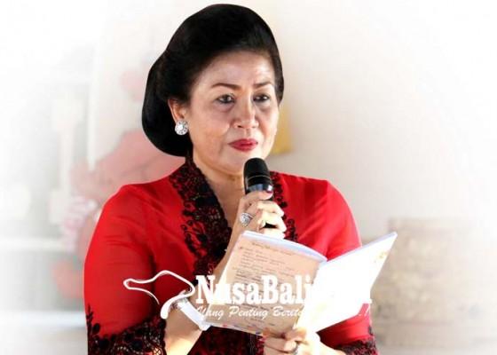 Nusabali.com - putri-suastini-turun-di-kampung-tokoh-golkar
