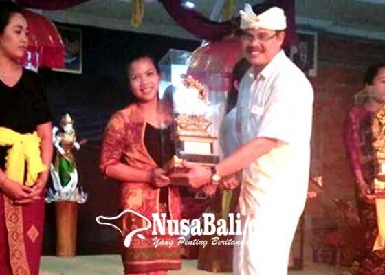 Nusabali.com - stkip-amlapura-juara-yoga-asanas-di-ihdn