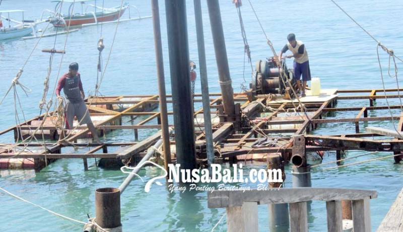 www.nusabali.com-dermaga-kapal-cepat-dibongkar