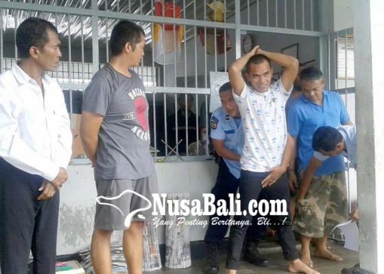 Nusabali.com - sidak-rutan-petugas-amankan-pecahan-kaca
