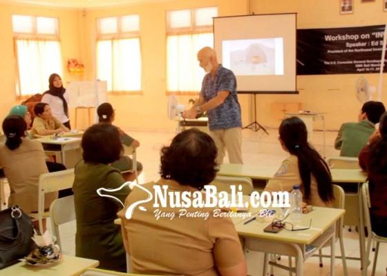 Nusabali.com - guru-di-buleleng-dapat-pelatihan-cara-mengajar-kreatif