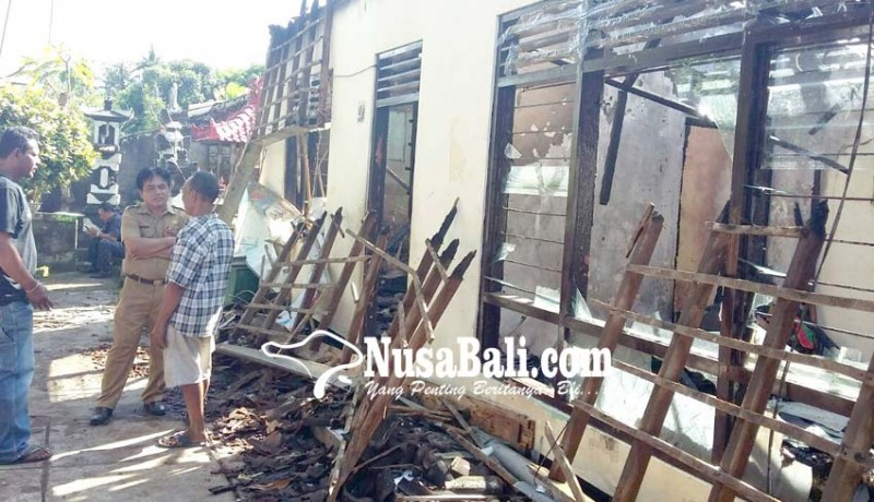 www.nusabali.com-korsleting-listrik-uang-rp-65-juta-6-sertifikat-tanah-3-bpkb-terbakar
