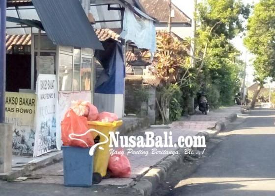Nusabali.com - lc-uma-bukal-bebas-gunungan-sampah