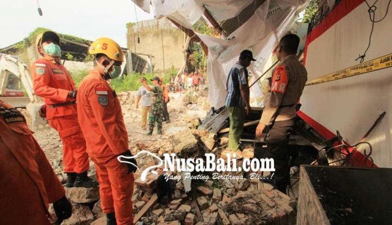 www.nusabali.com-gudang-walet-runtuh