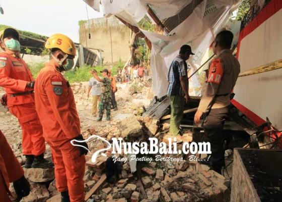 Nusabali.com - gudang-walet-runtuh