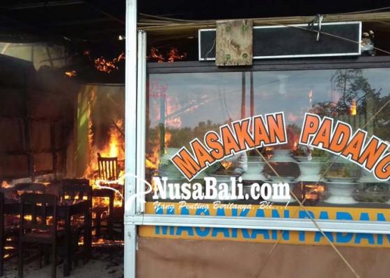 Nusabali.com - api-kompor-bakar-3-kios-di-celuk
