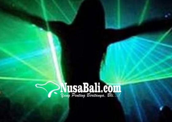Nusabali.com - serahkan-diri-3-penari-erotis-jadi-tersangka