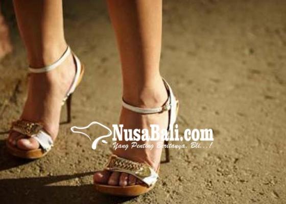 Nusabali.com - prostitusi-makin-nyaman-di-galian-c
