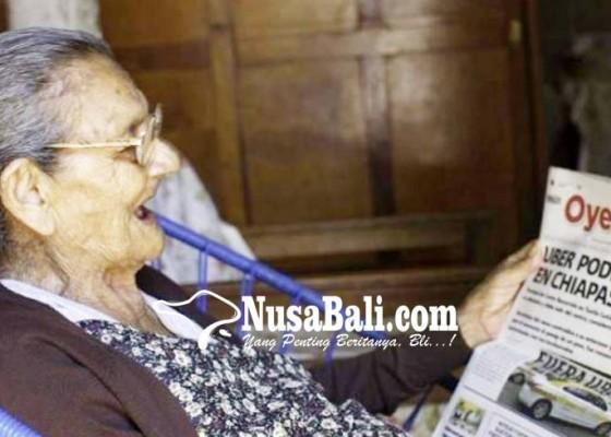 Nusabali.com - nenek-96-tahun-masuk-sma