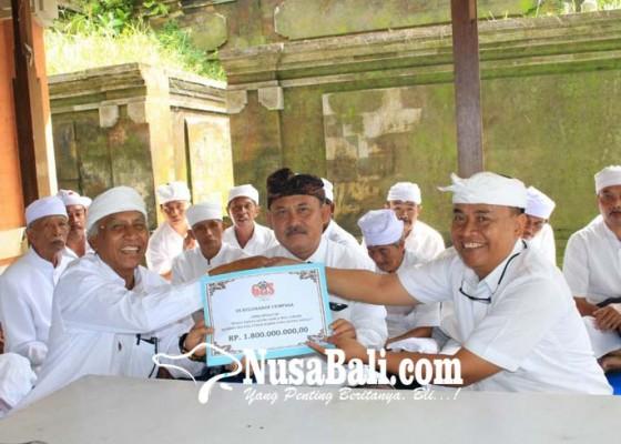 Nusabali.com - bupati-serahkan-hibah-untuk-karya-di-pura-kehen