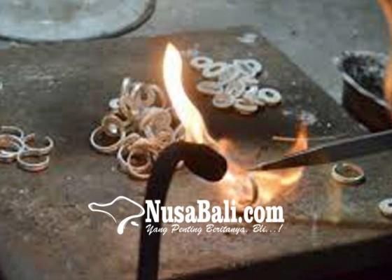 Nusabali.com - perajin-perak-gianyar-ikuti-bimtek
