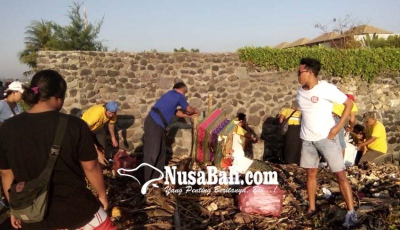 www.nusabali.com-dlh-komit-jaga-kebersihan-pantai