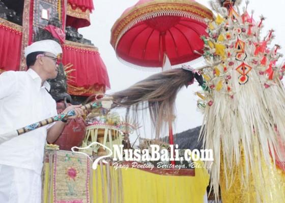 Nusabali.com - nuwek-bagia-pula-kerthi-tandai-nyineb-di-besakih