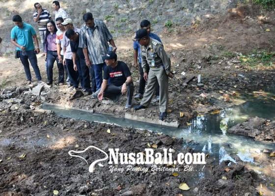 Nusabali.com - muncul-cairan-limbah-misterius