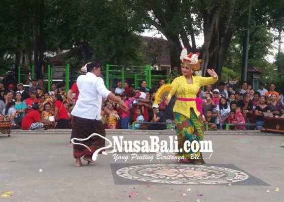 Nusabali.com - usia-dini-perlu-dikenalkan-joged-yang-benar