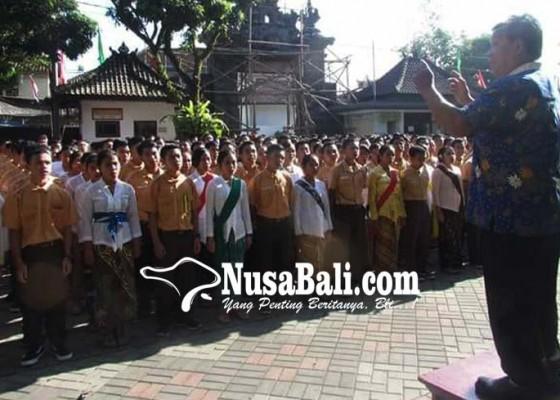 Nusabali.com - guru-dan-siswa-berkompetisi-jadi-putri-dan-ibu-kartini