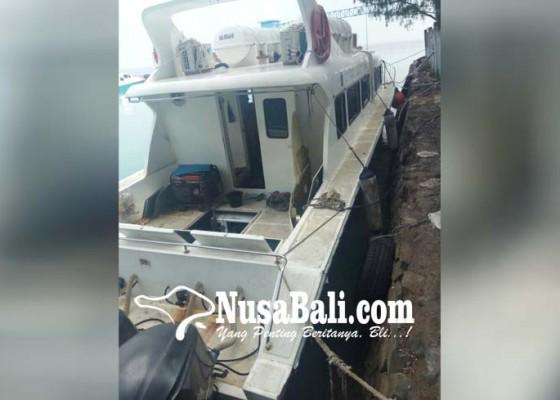 Nusabali.com - 10-detik-menyala-kapal-dishub-dki-meledak