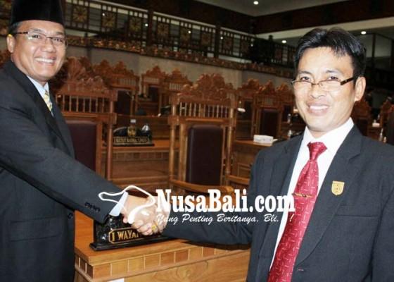 Nusabali.com - dprd-beri-eksekutif-44-catatan