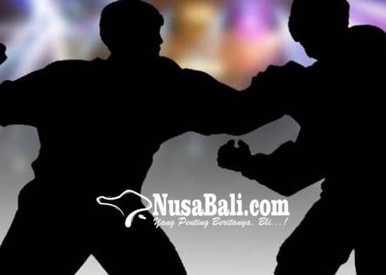Nusabali.com - pengunjung-kafe-dihajar-6-pria-kekar