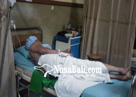 Nusabali.com - adik-dikeroyok-kakak-hingga-masuk-rumah-sakit