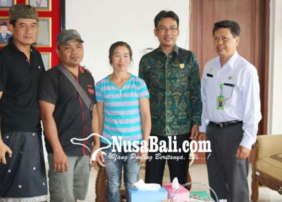 Nusabali.com - pembayaran-dibantu-ketua-dprd-karangasem