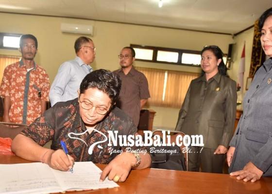 Nusabali.com - dirut-pd-pasar-buleleng-maju-dpd-ri