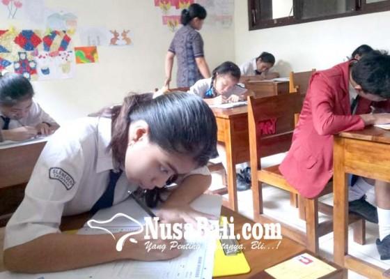 Nusabali.com - tujuh-siswa-smp-slb-di-tabanan-ikuti-un