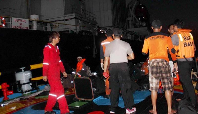 www.nusabali.com-kapal-angkut-33000-ton-solar-kandas