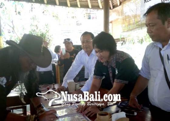Nusabali.com - polisi-gandeng-relawan-ciptakan-pilgub-damai