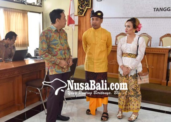 Nusabali.com - lanjutkan-program-suami-dek-ulik-maju-ke-dpd-ri