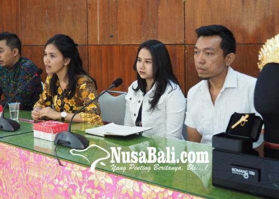Nusabali.com - jegeg-bagus-klungkung-buat-mahkota-berlapis-emas