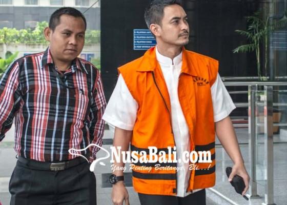 Nusabali.com - zumi-zola-izin-ke-kpk-untuk-berobat