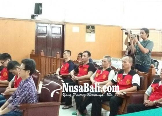 Nusabali.com - 8-terdakwa-sabu-1-ton-anyer-divonis-mati