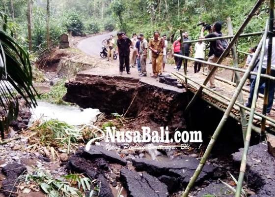 Nusabali.com - jembatan-desa-pedawa-diperbaiki