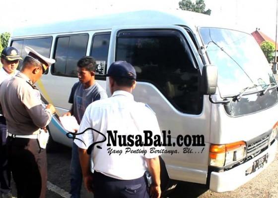 Nusabali.com - 16-angkutan-antar-jemput-ilegal-ditertibkan